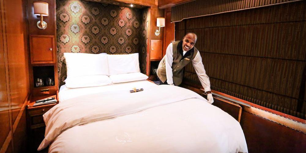 Blue Train Luxury suite bed