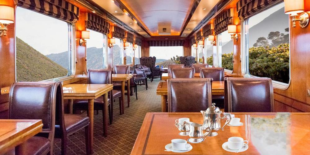 Dining car the blue train