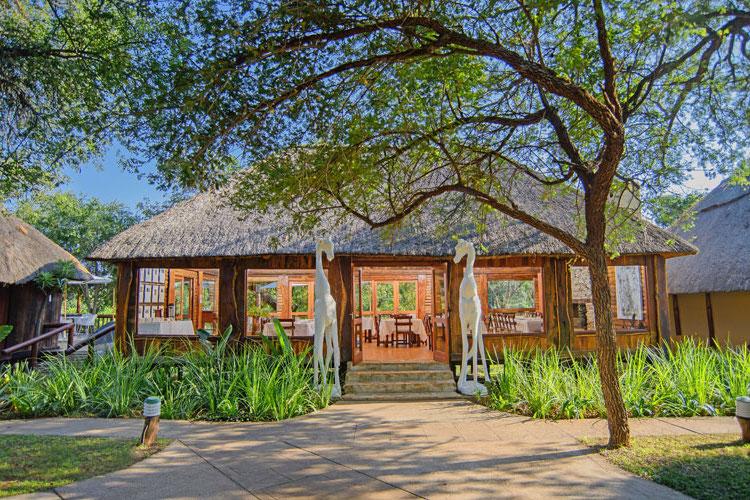 karongwe river lodge dining room